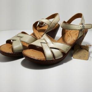 Born sandal